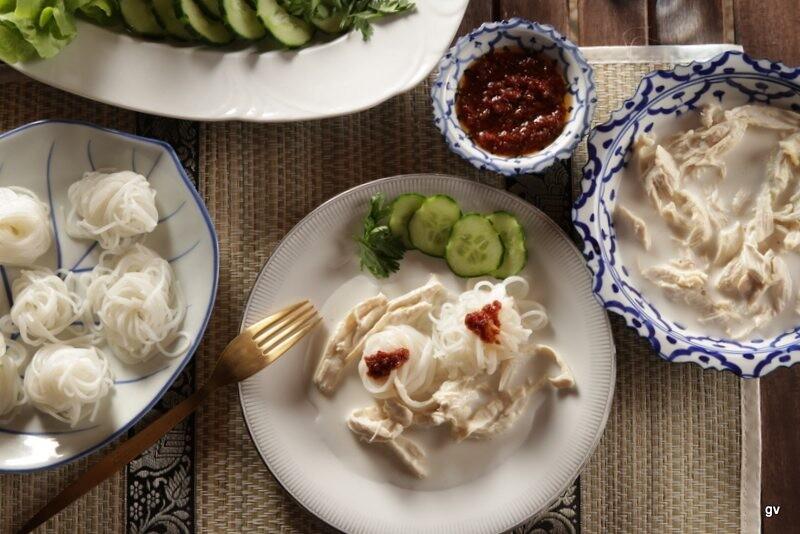 Nouilles de riz et poulet au lait de coco - Riz lait de coco ...
